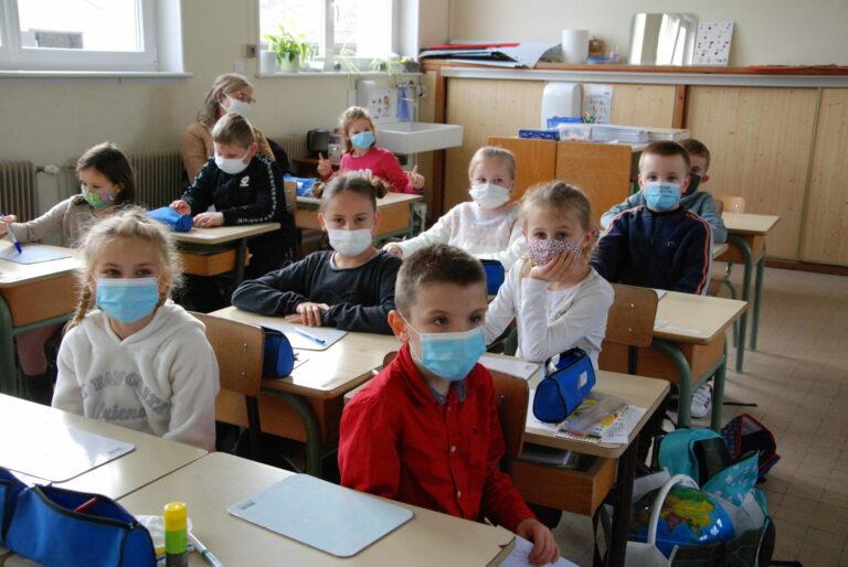 Des masques pour les élèves Ferquois !